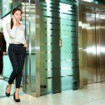 Кто-заходит-первым-в-лифт-и-другие-правила-этикета_1